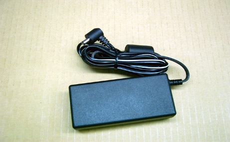 YHI YS-1039AJ830GP AC Adapter 15V 2.6A 39W Power Supply for Musial Instrument With Electron 5.5mm 1.2mm Brand New